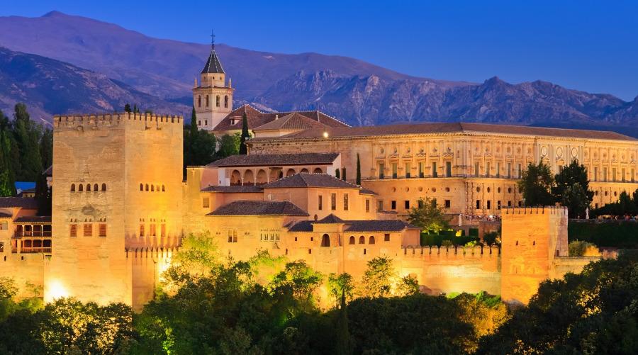 Granada es una de las ciudades m s fascinantes de espa a for La casa de granada en madrid